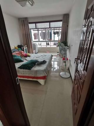 (东城区)宝娜斯花苑4室2厅1卫128m²精装修